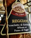 Prosciutto di Bassiano Etichetta Nera Affinato al Fumo di Faggio Senza Osso Normale 8,5 Kg - stagionatura 16 mesi - Reggiani