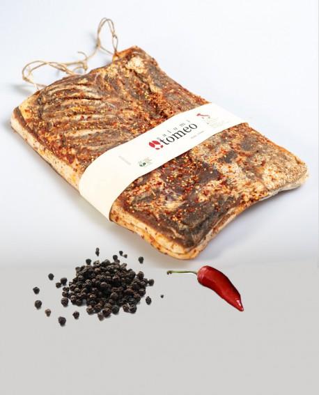 Pancetta tesa piccante al peperoncino e pepe nero - metà 3,5Kg sottovuoto - stagionatura  4 mesi - Salumi Tomeo