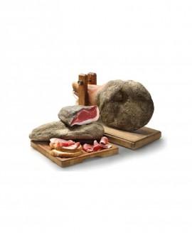 Spalla stagionata nazionale con osso intero - 6 Kg - Stagionatura 12 mesi - Salumeria di Monte San Savino